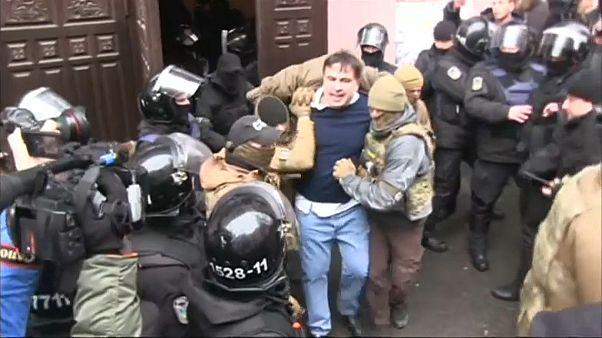 Ucraina: Saakashvili arrestato e poi liberato dalla folla