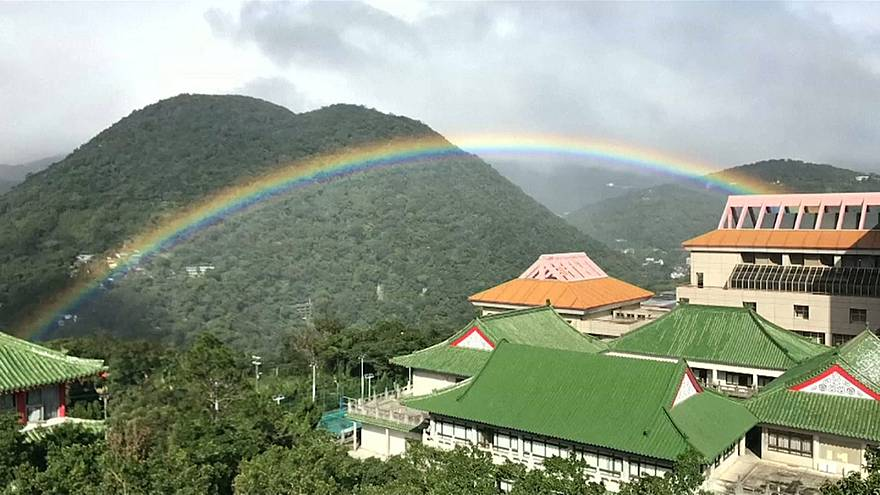 Record-breaking nine hour rainbow spotted in Taiwan