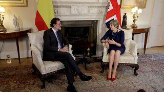 Theresa May volta a apoiar Rajoy com Catalunha