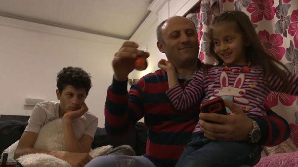 قصة أب حكيم وأسرته الهاربة من تركيا إلى اليونان