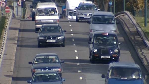 Regno Unito: calano le immatricolazioni auto