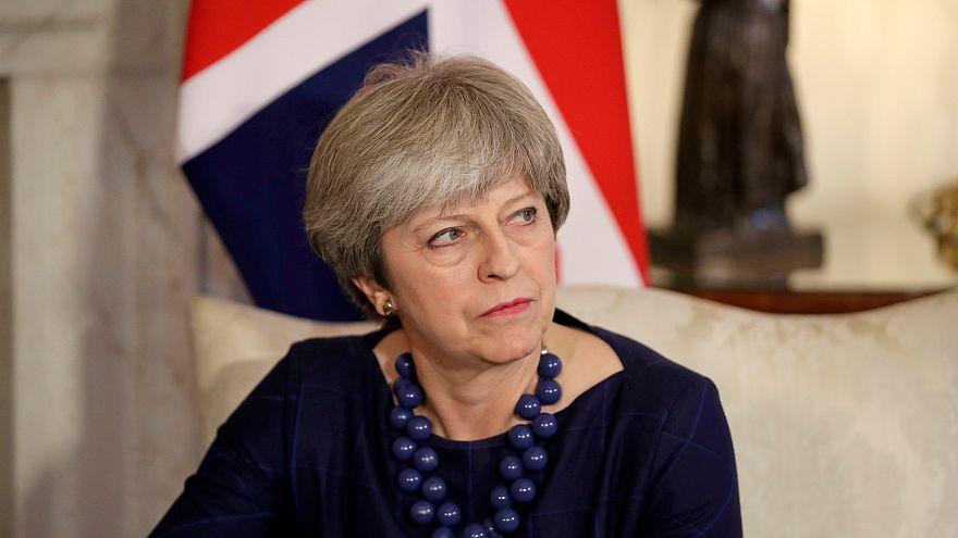 Brexit: Theresa May prova a far uscire il Paese dal caos
