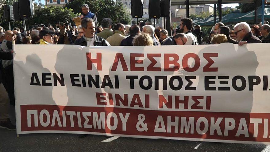 Migranti, le isole greche: 'Ci avete abbandonato'