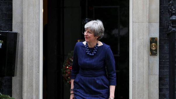 Theresa May em corrida contra o tempo