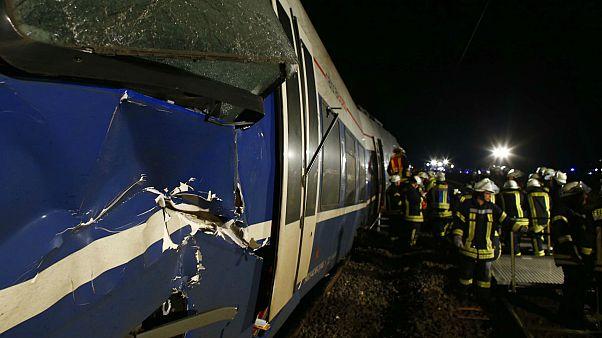 47 heridos en un choque de trenes en Alemania