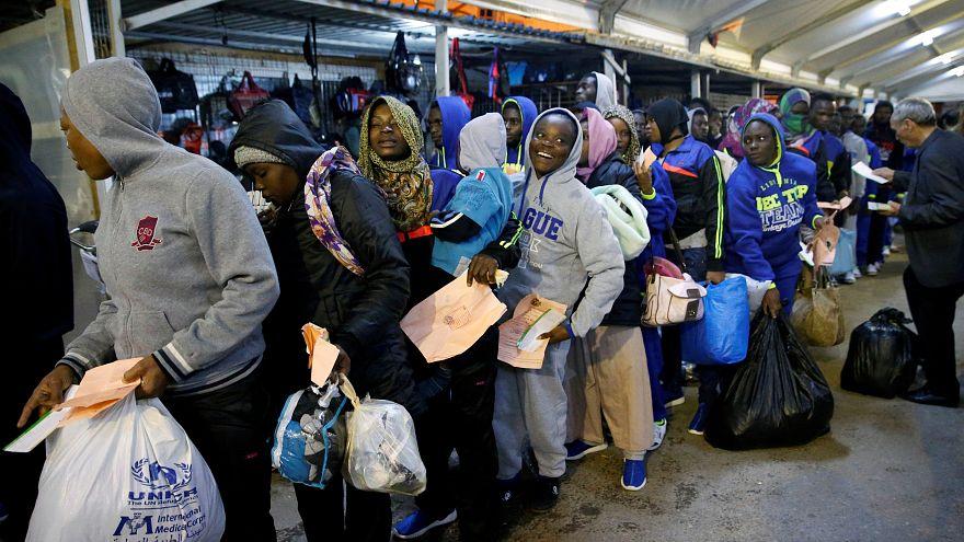 بعد أزمة الاتجار بالبشر في ليبيا.. الأمم المتحدة تعيد المهاجرين إلى أوطانهم