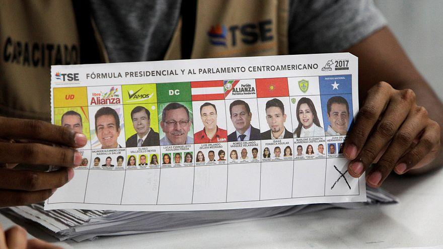 Honduras'ta muhalifler oyların yeniden sayılmasını istedi