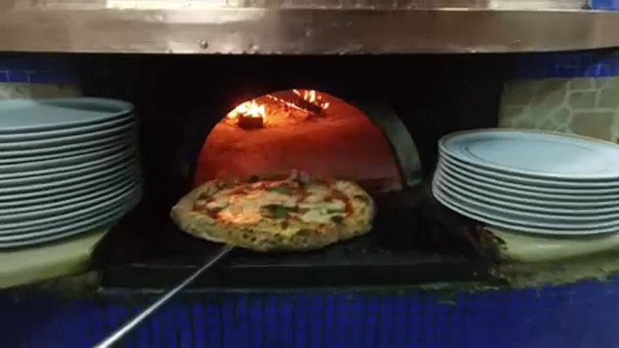 UNESCO: Η τέχνη των ναπολιτάνων pizzaϊolo