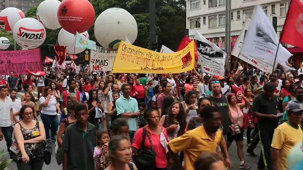 Protestos nas ruas do Brasil contra a Reforma de Previdência
