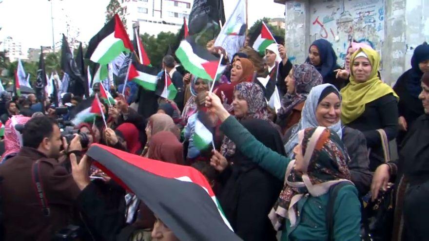I palestinesi di Gaza protestano contro Trump
