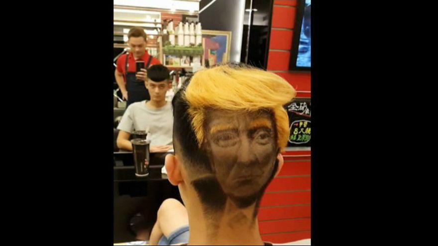 چهره ترامپ پشت سر مشتریان یک آرایشگر تایوانی