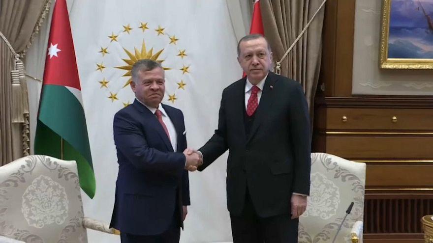 Turquía y Jordania piden prudencia sobre Jerusalén