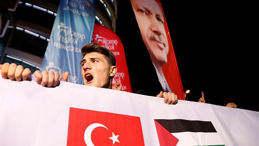 """Erdogan: """"É como deitar gasolina na fogueira dos terroristas"""""""