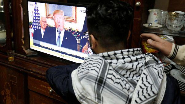 Ein palästinensischer Flüchtling in Jordanien sieht Trumps Ansprache.