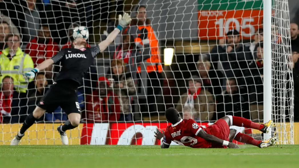 Liverpool hammers Spartak for a place in Champions League last 16