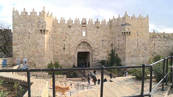 """Jerusalém capital de Israel: """"Gratidão"""" para israelitas, """"traição"""" para palestinianos"""