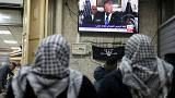 فلسطينيون يشاهدون خطاب ترامب المتلفز أثناء اعترافه بالقدس عاصمة لإسرائيل