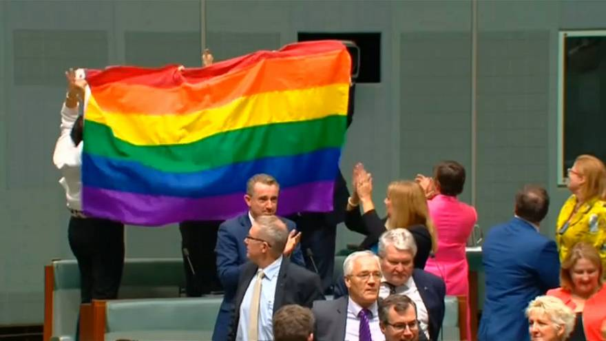 """Le parlement australien dit """"oui"""" au mariage homosexuel"""