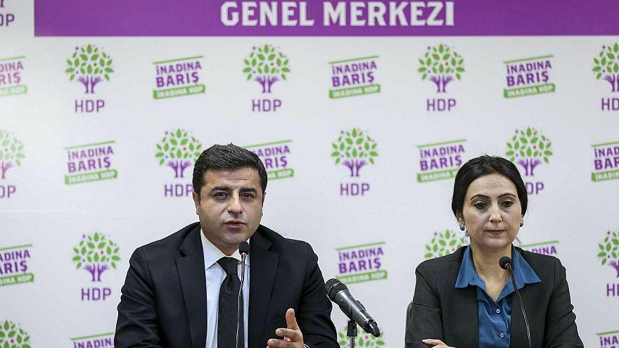 Selahattin Demirtaş'tan duruşmalara çıkması için 'altı talep'