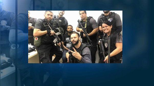 Polémicos 'selfies' de la detención del narco más buscado de Brasil