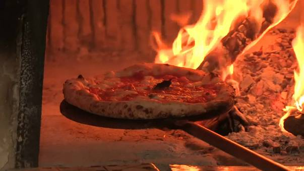 A arte dos pizzaiolos napolitanos já é património imaterial da Humanidade