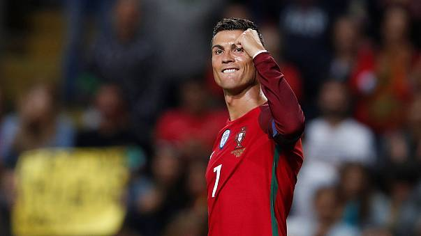 Cristiano Ronaldo vence Bola de Ouro pela quinta vez