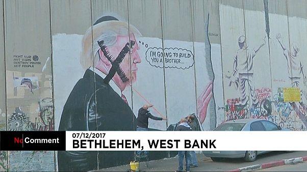 Le portrait de Trump tagué à Bethléem