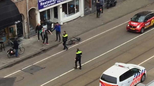 Amsterdam'da Koşer restorana saldırı