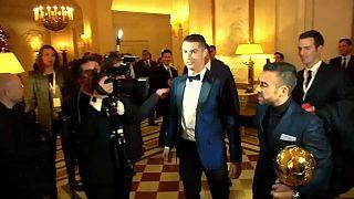 Cristiano Ronaldo agranda su figura con el quinto Balón de Oro