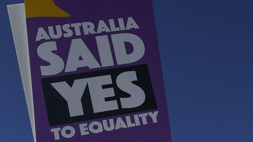 Mariage gay : un ambassadeur australien filme sa demande