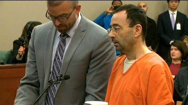 Larry Nassar condenado a 60 anos de prisão