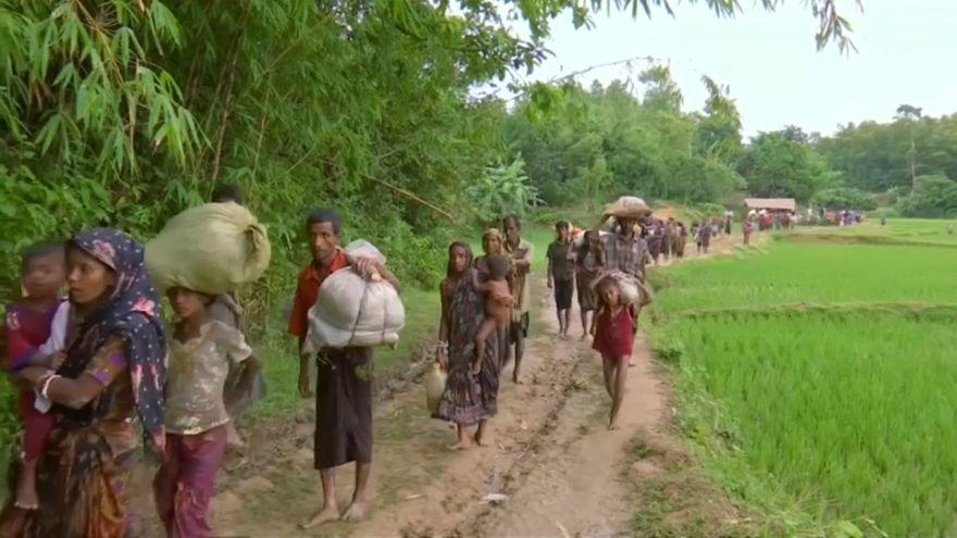 مسلمو الروهنيغا يواصلون التدفق إلى بنغلادش