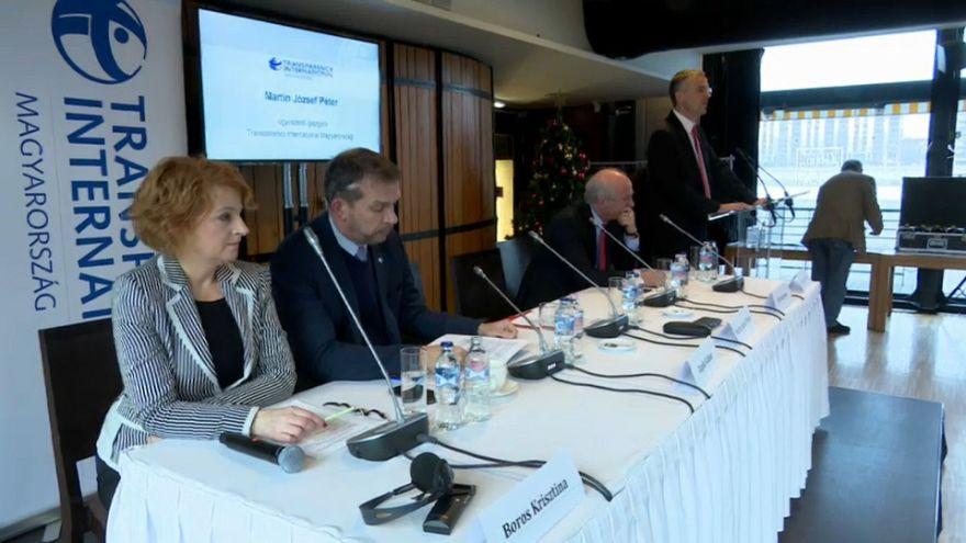 Transparencia Internacional alerta de la corrupción en Hungría