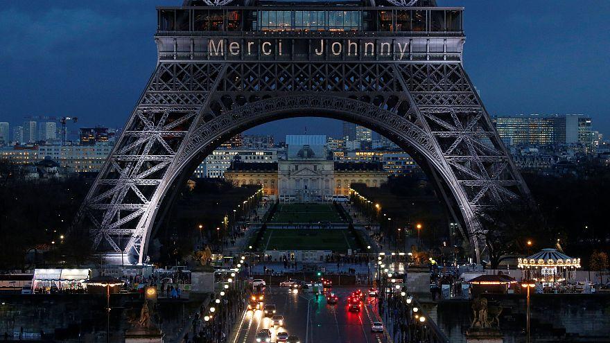 """La France rend un """"hommage populaire"""" à Johnny Hallyday"""