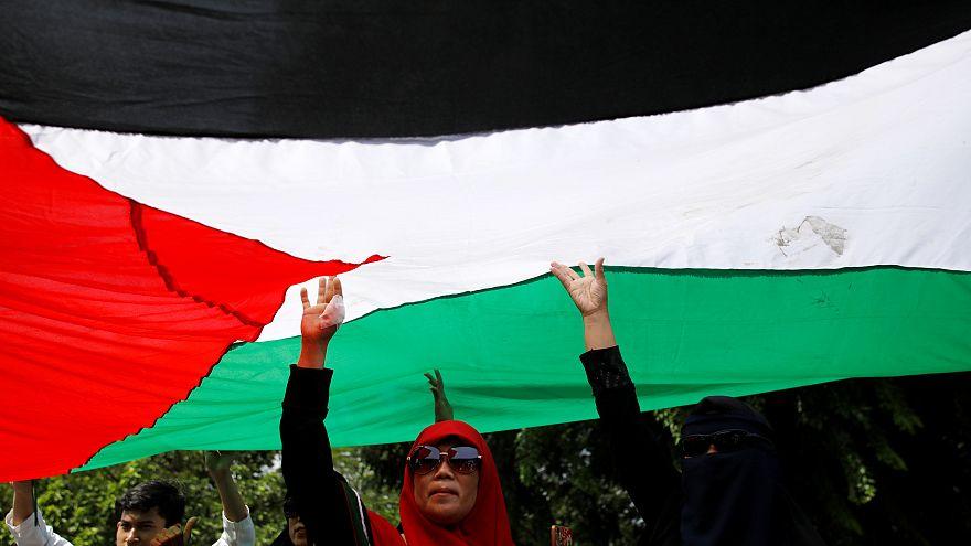 احتجاجات ضد قرار نقل السفارة الأمريكية إلى القدس / جاكرتا