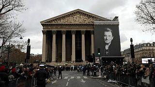 آخرین وداع صدها هزار فرانسوی با جانی هالیدی، خواننده مشهور راک