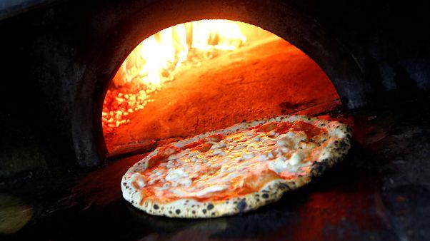 قرص بيتزا إيطالية