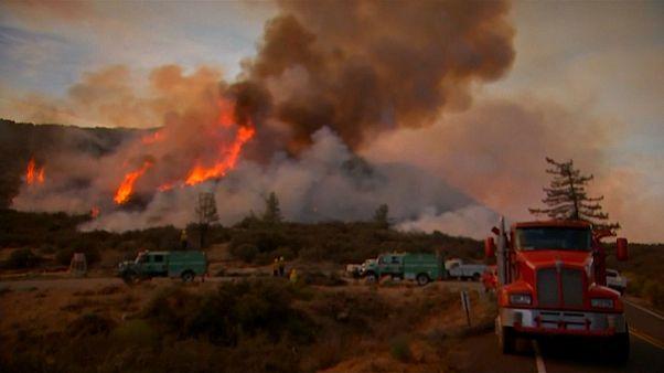США: остановить пожары в Калифорнии