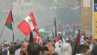تظاهرات ضد ترامپ در برابر سفارت آمریکا در بیروت به خشونت کشیده شد