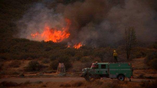 La California continua a bruciare