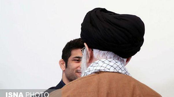 علی خامنهای از علیرضا کریمی تقدیر کرد