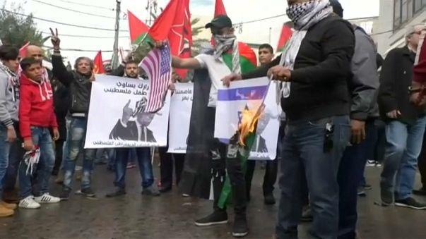 Enfrentamientos ante la embajada de EEUU en Beirut