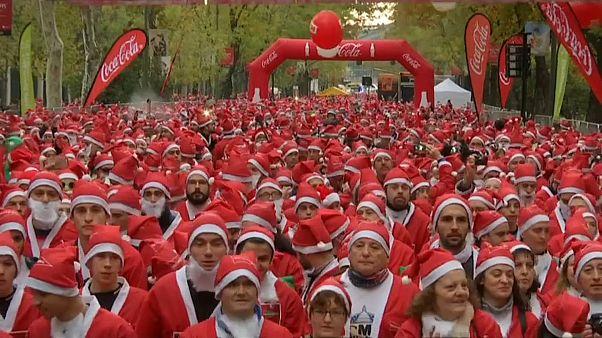 Sept mille pères Noël contre le cancer, à Madrid (Espagne)