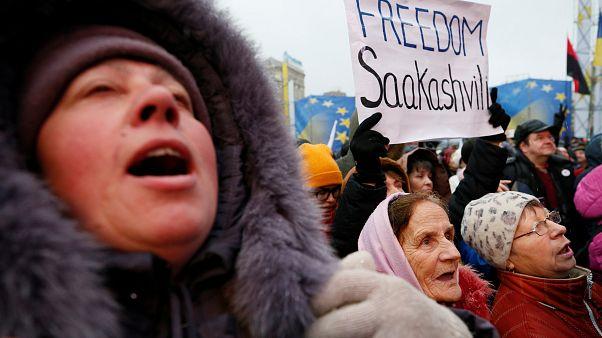 Saakaşvili taraftarları Kiev sokaklarında protesto gösterisi düzenledi