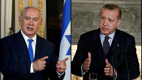 الرئيس التركي رجب طيب إردوغان (يمين) ورئيس الوزراء الإسرائيلي نتنياهو