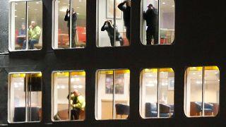 Ferry encalha em Calais