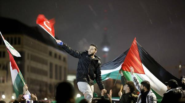 Antisemitische Proteste in Berlin: Politik reagiert