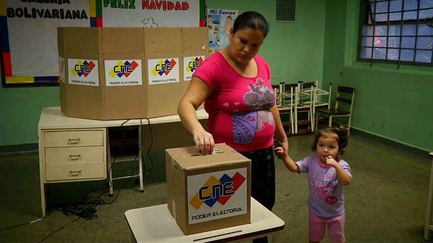Venezuelas Präsident Maduro schließt Oppositionsparteien von Präsidentenwahl 2018 aus