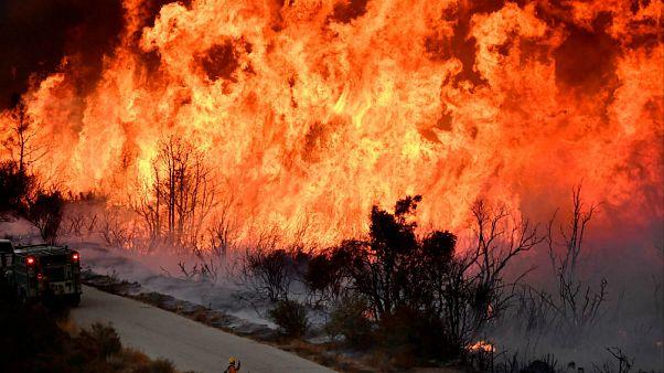 Fáradnak a tűzoltók Kaliforniában