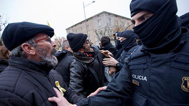Independentistas catalanes intentan impedir la vuelta a casa del tesoro de Sijena
